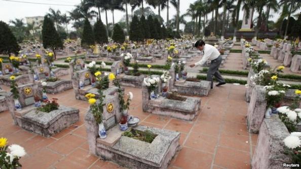 Nghĩa trang các liệt sĩ trong cuộc chiến biên giới Việt-Trung 1979 bên ngoài thủ đô Hà Nội.